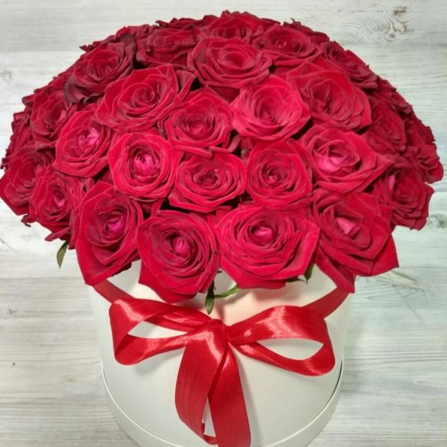 коробка с розами.