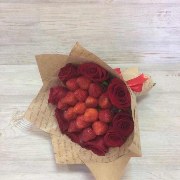 """Клубники с розами"""