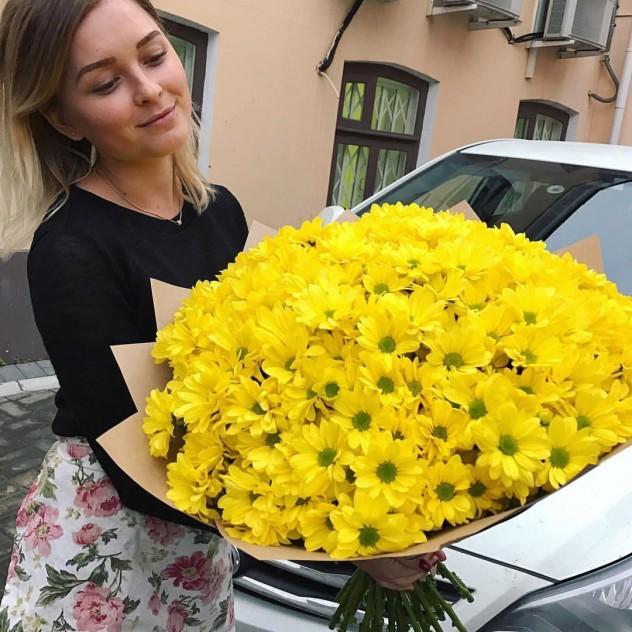букет из 29 кустовых хризантем