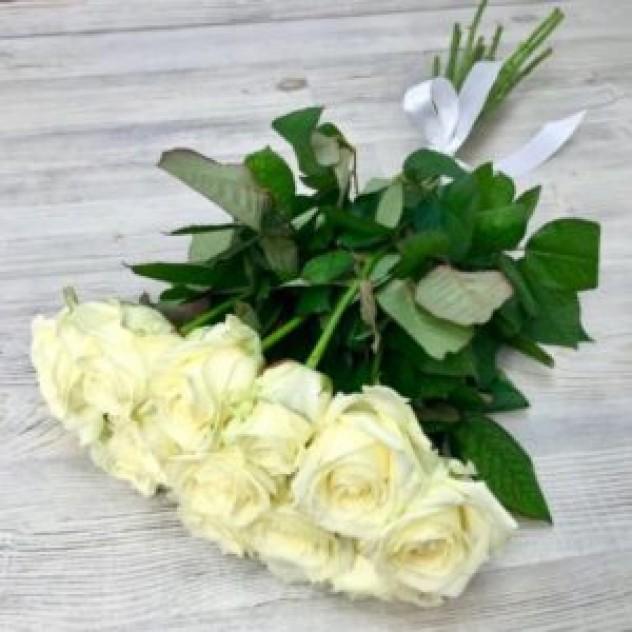 Букет из 11 белых роз (50 см, Эквадор)