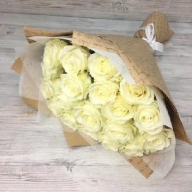 Букет из 29 белых роз (50 см, Эквадор)