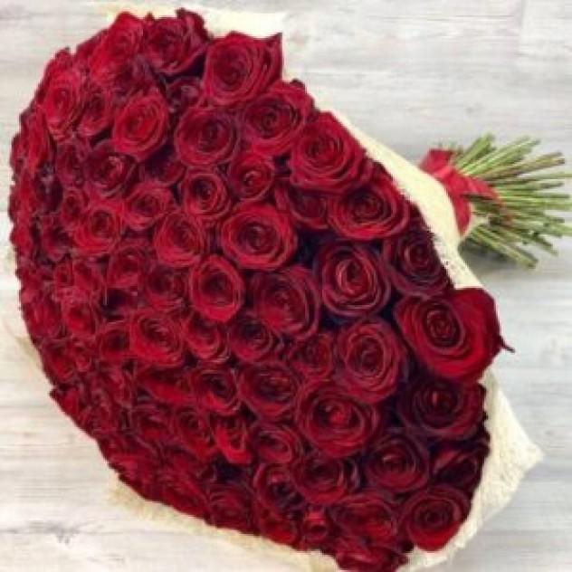 Букет из 101 красной розы (Эквадор)
