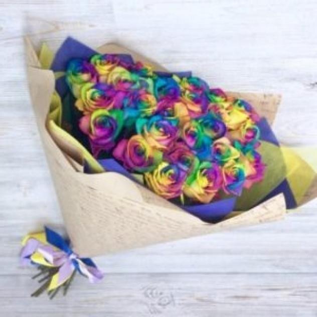 Букет из 25 радужных роз (Эквадор)