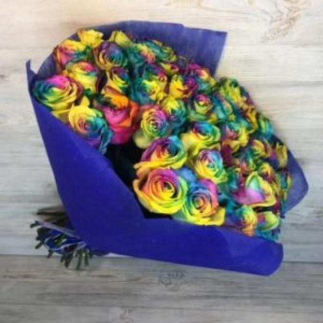 Букет из 51 радужной розы (Эквадор)