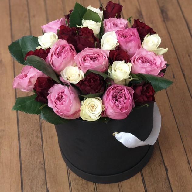 Букет из роз в шляпной коробке
