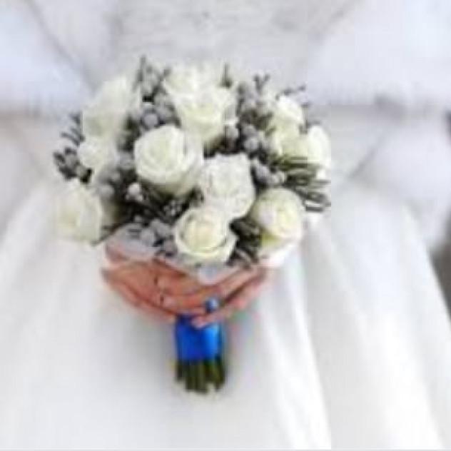 Букет свадебный из роз и бруний
