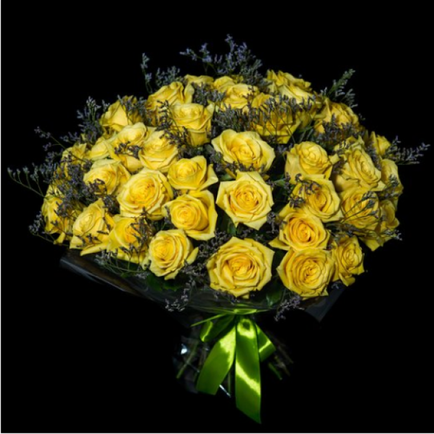 Розы с лимониумом
