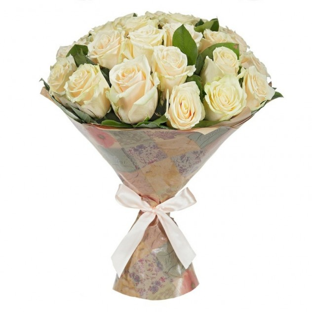 Bouquet of 25 cream roses in craft with herbs