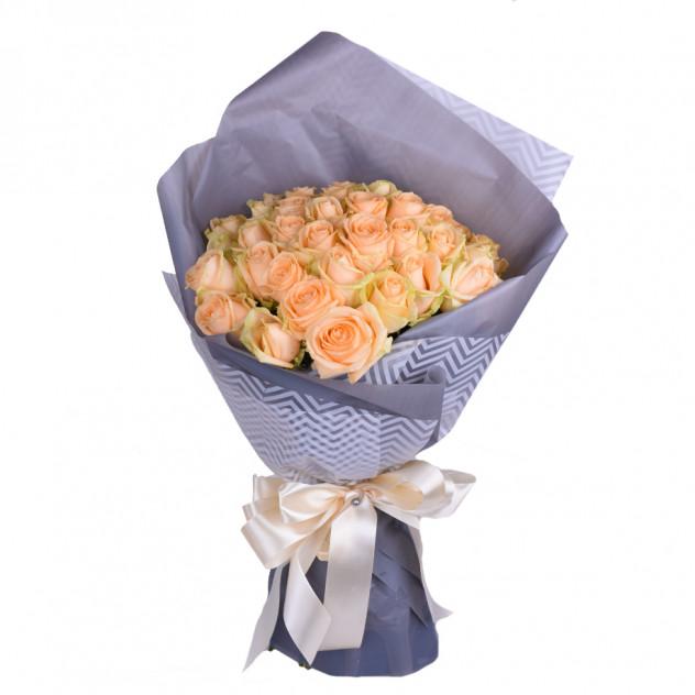 Bouquet of 35 cream roses