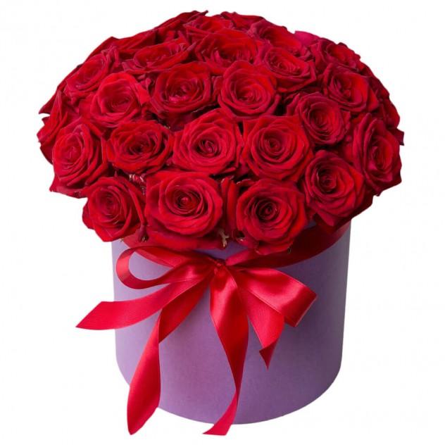 """Розы в шляпкой коробке. """" Утро в Париже"""""""