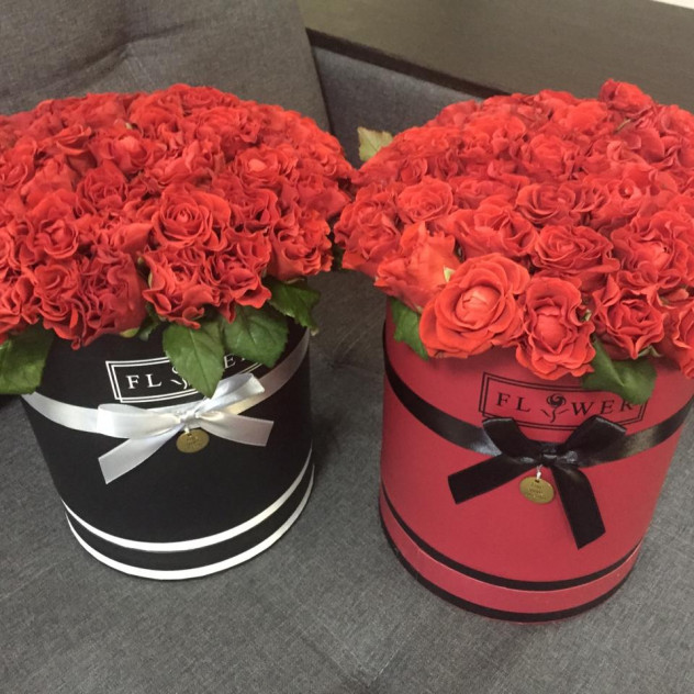 Коробочка из 51 розы