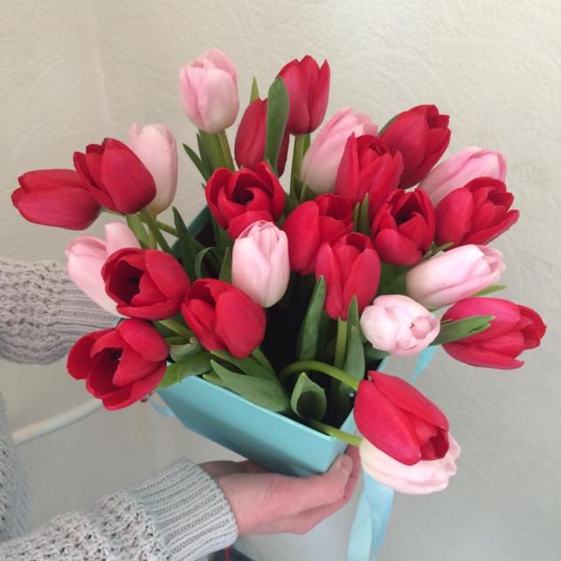 Коробочка тюльпанов