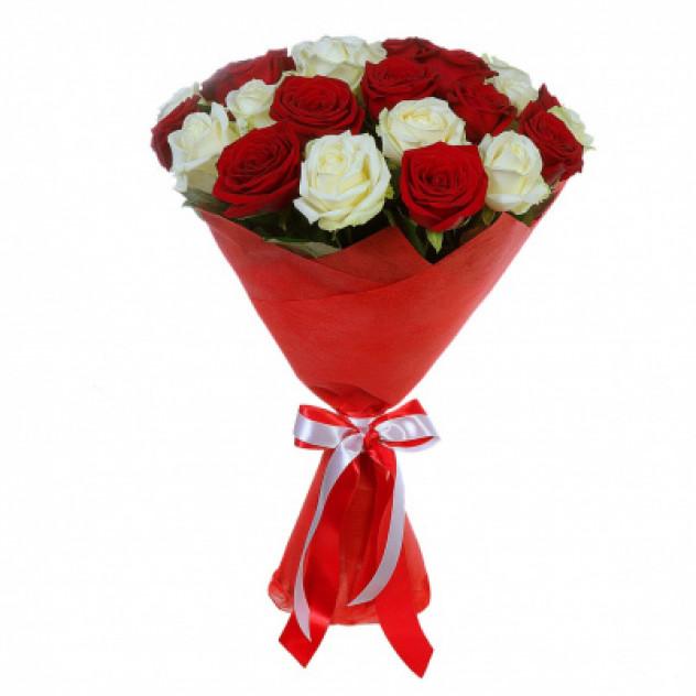 Букет из 27 роз красных и белых