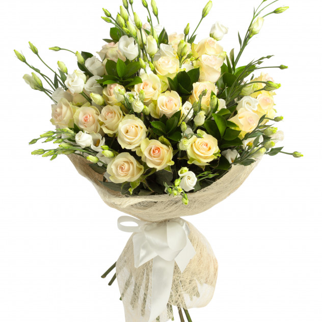 Bouquet of eustoma and roses.