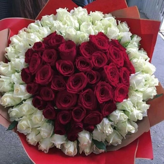 Кармелита (сердце из роз.)