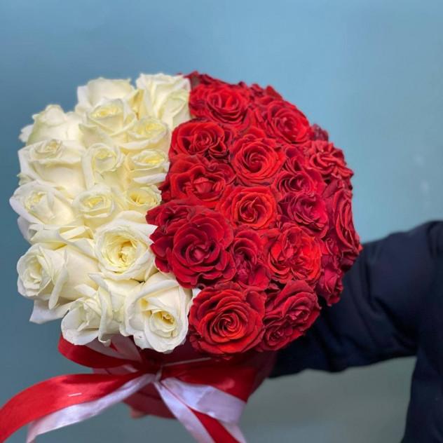 帽子の箱に37本のバラ